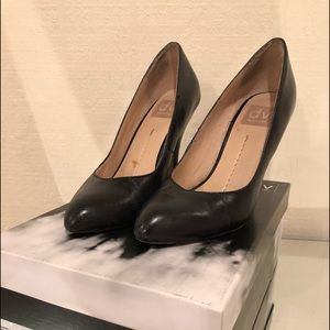 DV dolce vita pumps black leather